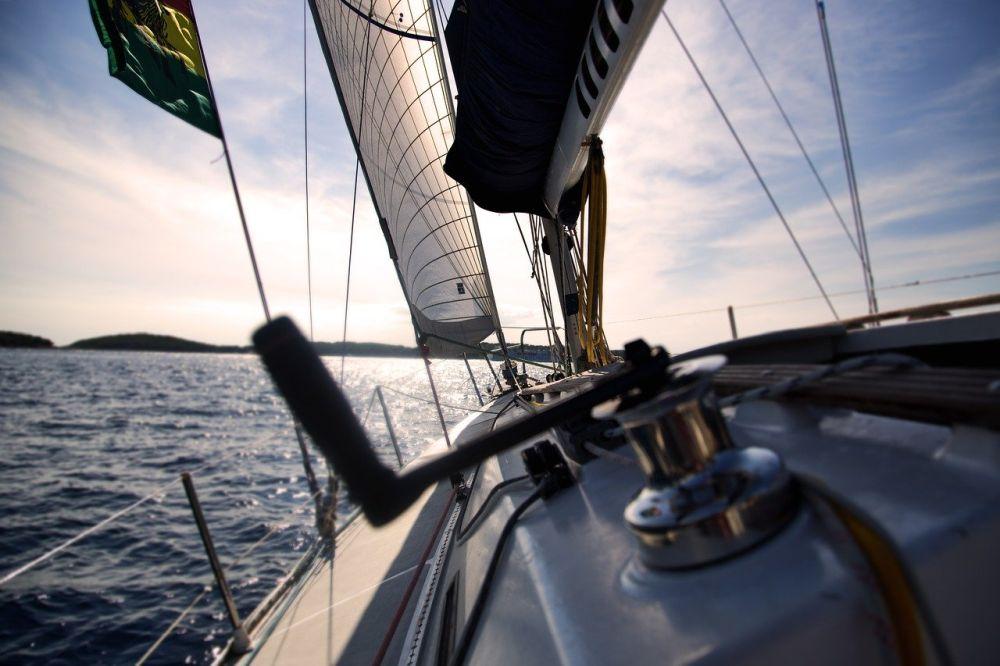 Kabestan – do czego służy? Jak wybrać kabestan żeglarski?