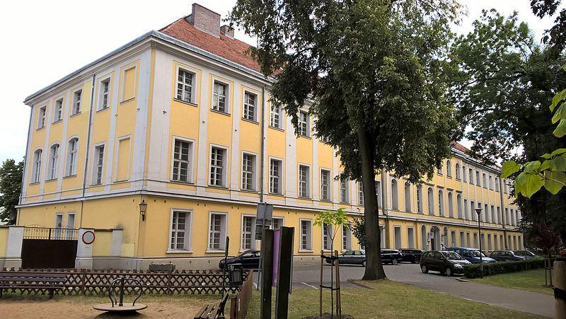Leszno, pałac Sułkowskich