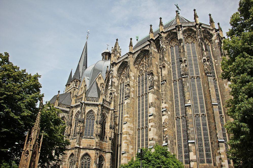 Katedra w Akwizgranie grafika