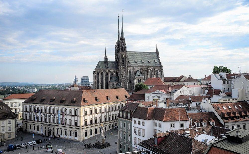 Katedra Świętych Apostołów Piotra i Pawła w Brnie grafika